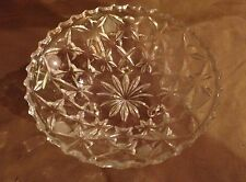 """Vintage Glass Bowl / Candy Dish / Trinkets - 6.5"""" diameter - 3 footed -  VGC"""