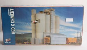 Walthers 933-3704 HO Scale Red X Cement Structure Building Kit