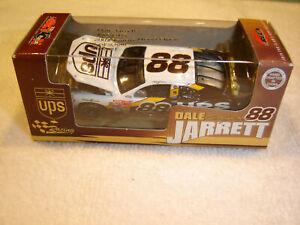 #88 Dale Jarrett 2002 UPS Ford Taurus 1/64 Action RCCA H/O Diecast NEW
