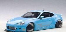 1/18 Autoart - Cohete Bunny Toyota 86 (Metálico Azul Cielo / Negro Ruedas)