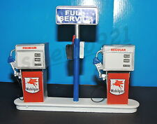 MOBILGAS SERVICE  Station Gas Pump Island(Ready to Display) 1:18-1:24 Scale NWB