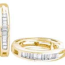 Orecchini con diamanti baguetti colore fantasia