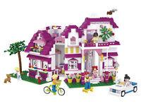 Sluban Seaside Villa Construction Bricks Set (726-piece)