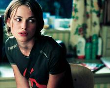 Keira Knightley in Bend It Like Beckham 16x20 Canvas Giclee