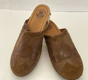 Lucky Brand Women's Clogs Wood Sole Brown Suede Leather Peace Sign Size 8 M