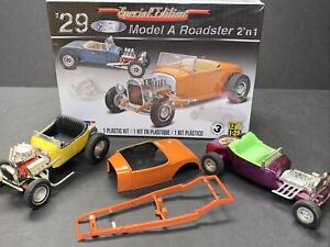 2015 Revell Special Edition '29 Ford Model A Roadster 2 n 1  - 1:25 EXTRA RODS