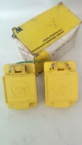 Lot of 2 x WOODHEAD WATERTIGHT Flip lid receptacle 20A 250V 2PHASE 67W75 L15-20