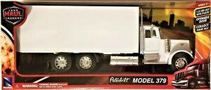 New Ray - 1:32 Scale Long Haul Trucker Peterbilt 379 Box Truck (BBNR10243W)