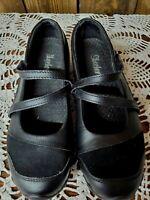 Women's Sketcher Leather Slip On Comfort Shoes. Size 7M EUC