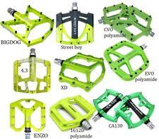 Green Alu Polyamide Bike Pedal MTB Mountain Road Fixie flat Bearings Pedals