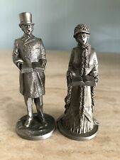 More details for beautiful detailed vintage fine pewter 1977`male and female carol singers