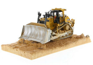 CAT Caterpillar Weathered D9T Track Type Dozer Diecast Masters 85702 1:50