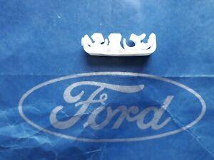 New genuine Ford Escort Mk4 Rs Turbo Brake & Fuel pipe clip -1 no white - A