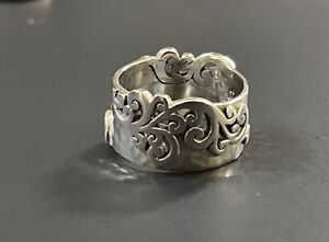 Lois Hill Sterling Silver Classic Scroll Cut Out and Hammered Band Ring Size 6