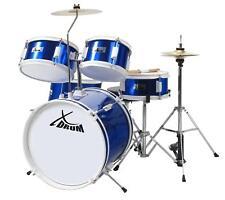 Klasse Schlagzeug für Kinder, die erste Schritte im Bereich Musik machen wollen