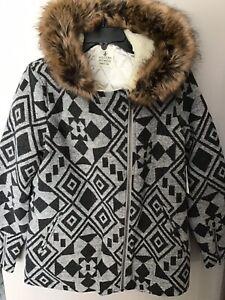 VOLCOM SHOWDOWN WOMEN'S JACKET Black-Grey sherpa lined faux fur trim NWT Sz M
