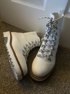 LADIES WHITE LACE UP BOOTS SHOES UK SIZE 7 GOOD CONDITION