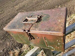 Vintage Metal Toolbox Box with handle