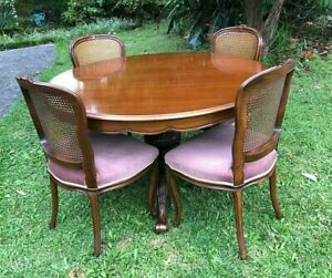 7 Piece Dining Set with Extension Table Round to Oval & 6 Velvet & Rattan Chairs