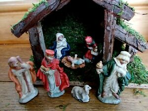 7 PIECE NATIVITY SET~A WOODEN STABLE WITH CERAMIC FIGURES~RELIGIOUS~CHRISTMAS