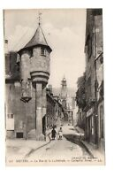 58 -  NEVERS - La rue de la cathédrale  (B68)
