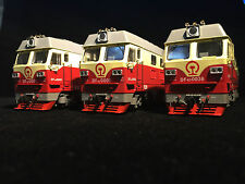 MTC China Railway DF4D Diesel Locomotive (Early version) (HO scale)