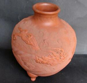 TOP Antique Japanese Tokaname red clay tripod vase dragons Japan 19th. C. signed