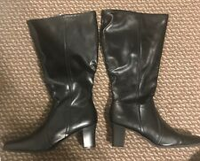 Women Under Knee High Boots Wide Calf Chunky Heel Zip Up sz 9 1/2 W
