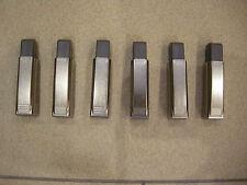 6 Blum. Soft close BLUMOTION clip-on, standard hinge, overlay application.