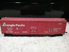 """VINTAGE BACHMANN """"TRIANGLE PACIFIC"""" HO SCALE LONG RED BOXCAR PRE-OWNED"""