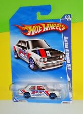 2010 HOT WHEELS NIGHTBURNERZ #097- Datsun Bluebird 510 - White