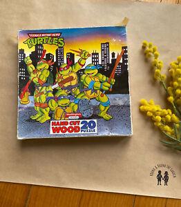 Teenage Mutant Hero Turtles city scene Waddingtons vintage wood puzzle, 20 piece