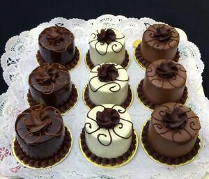 CHOCOLATE ROYALE MINI CAKE FAKES