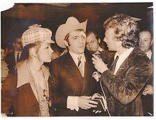 PHOTO originale - Marcel CERDAN Jr (fils) et sa femme à ORLY - BOXE 1970