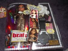 NEW IN BOX BRATZ THE MOVIE YASMIN GOLD GLITTER DRESS & REAL WORKING CAMERA