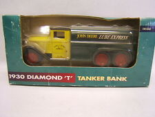 1930 Diamond T Tanker Bank Ertl John Deere Lube Express 1/40 MIB
