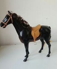VINTAGE Marrone Scuro in plastica Cavallo Barbie/Sindy marrone con coda criniera