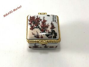 VINTAGE CHINESE PORCELAIN TRINKET BOX WHITE HINGED OF JEWELRY CASE PLUM BLOSSOM