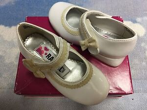 Rachel White Patent Hook & Loop Mary Janes Dress Shoes Toddler Size 6.5, 7