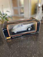 Die Cast Model Car Citroen 2CV 1952  1.18 Original Box Maisto Grey Gray