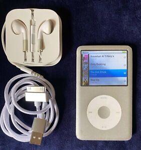 Apple iPod Classic 80GB 6th Generation Silver ModelA1238 Cord Earbuds Bundle