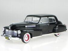 Cadillac Fleetwood Series 60 Special 1941 bk Modellauto 18070 MCG 1:18