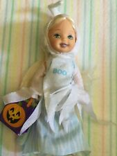 2004 Mattel Barbie Kelly Club Halloween Party Nikki is a Ghost Pumpkin Bag Shoes