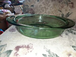 VINTAGE ANCHOR HOCKING GREEN CLEAR GLASS OVAL  2 Qt. CASSEROLE DISH