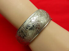 Coro Pegasus Vintage Bangle Bracelet Etched Gold Hinged Cuff Statement 189h
