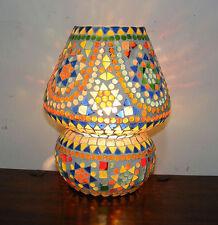 Markenlose ungewöhnliche Innenraum-Lampen in aktuellem Design