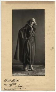 Trieste Nice portrait of Young woman Gelatin silver photo 1923 Bechtinger L640