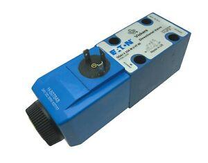 869860 DG4V322AMUH760 Eaton Vickers Magnetwegeventil solenoid directional valve