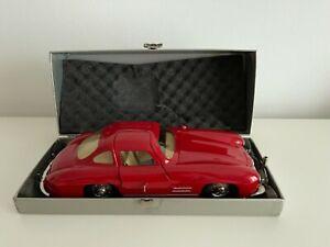 Märklin 1:16 1092 Mercedes 300SL Rosso