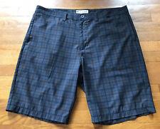 Travis Matthew Mens Plaid Golf Shorts Athletic Stretch Size 40 Black Blue